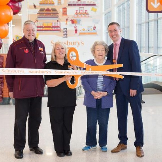 4 people at the opening ceremony of Sainsburys Fulham Wharf